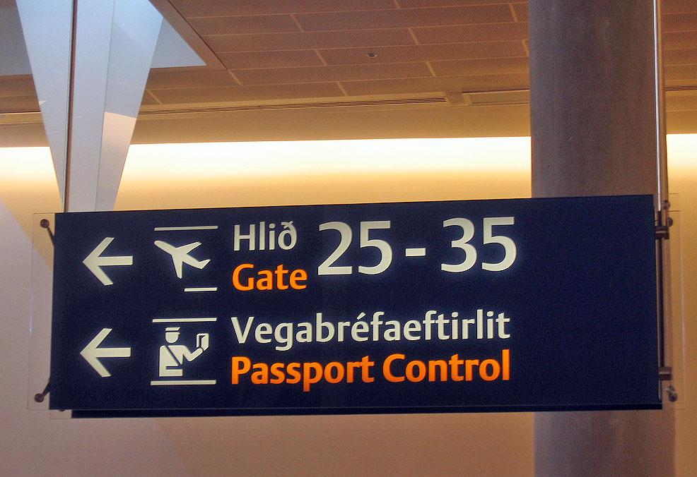 Passkontroll i Reykjavik (Foto: Flickr/dehub)